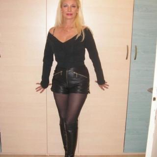 Profiel van -LadyInBlack-